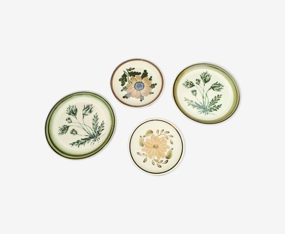 Lot de 4 assiettes dépareillées décor végétal herbiers