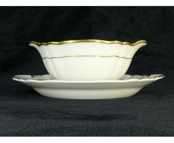 Saucière en porcelaine de Limoges Bernardaud modele louis xv