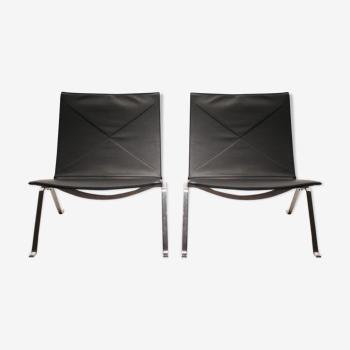 Paire de fauteuils modèle PK22 conçus par Poul Kjorholm