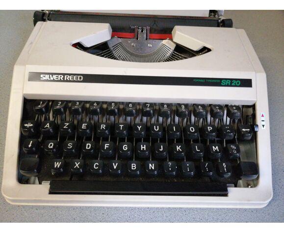 Machine à écrire Silver Reed
