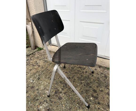 Paire de chaises Galvanitas S18