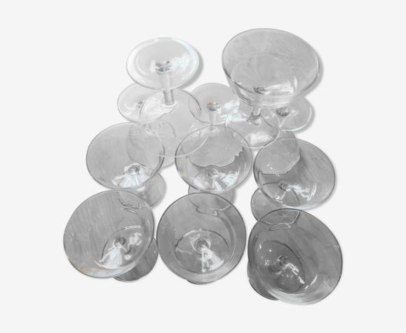 Set de11 coupes à champagne en verre ciselé