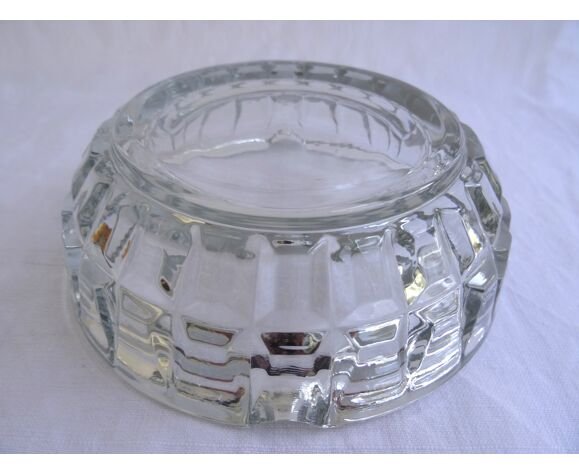 Cendrier en verre ciselé