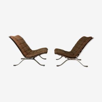 Paire de fauteuils Arne Norell modèle Ari 1970