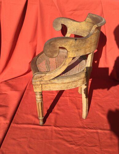 Fauteuil de bureau en bois et cannage style Louis XVI