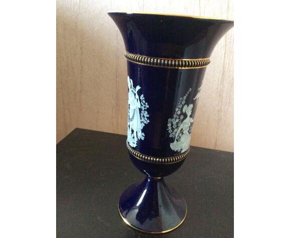Vase antique en faïence bleu liseré doré