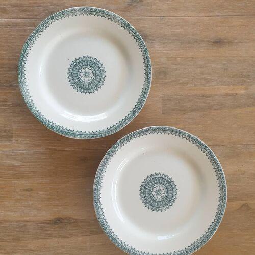 Deux assiettes piedouche Creil et Montereau
