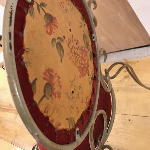 Chaise métal émaillé vintage