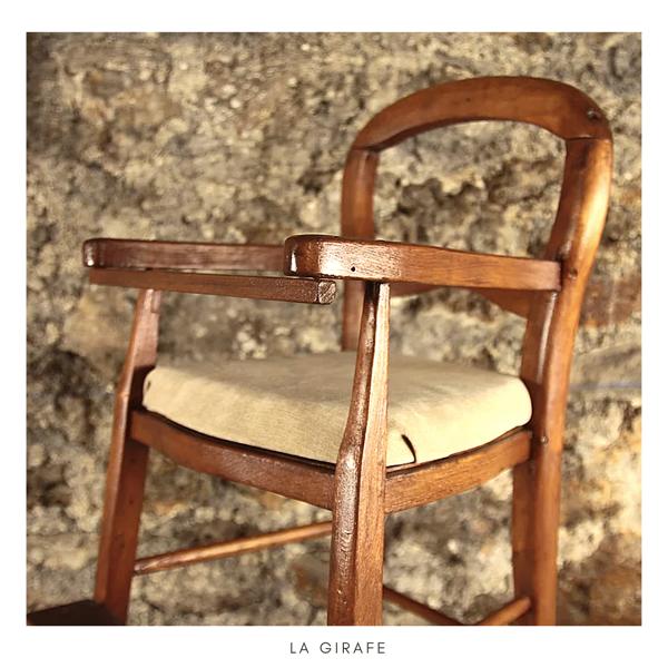 Ancienne chaise bébé de campagne rénové vintage