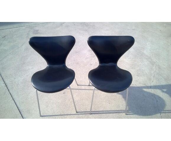 Chaises série 7 d'Arne Jacobsen éditées par Fritz Hansen