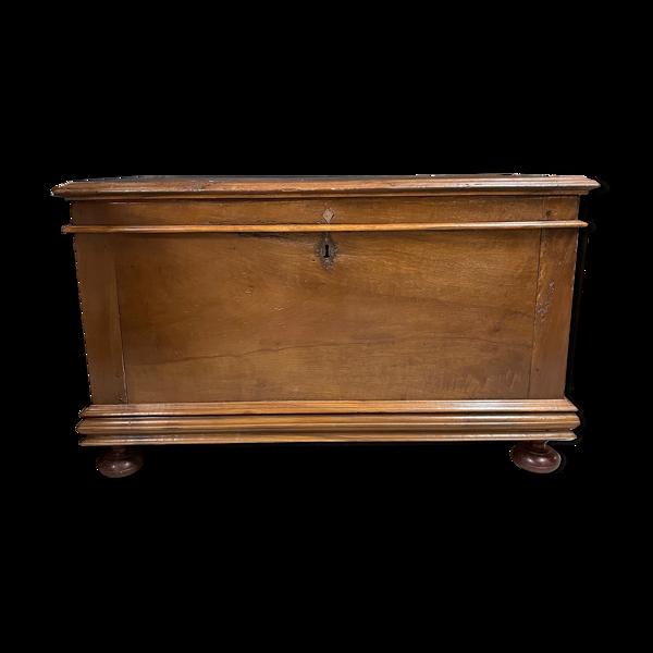 Coffre languedocien ancien bois haute époque meuble