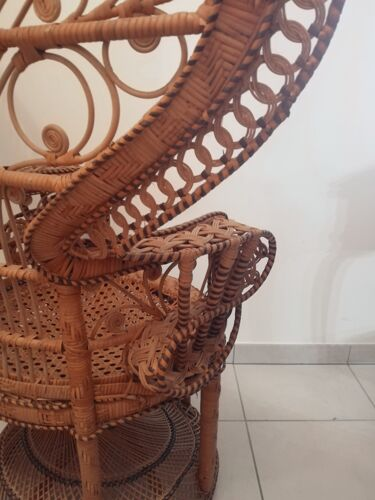 Fauteuil Emmanuelle ou fauteuil paon en rotin