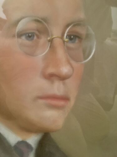 Portrait d'un homme aux lorgnons d'August Wilde 1882 -1950.Pastel signé et daté 1918.