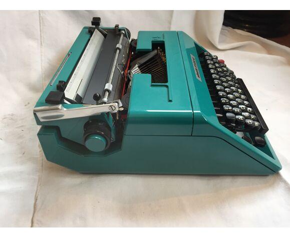 Machine à écrire Olivetti studio 45