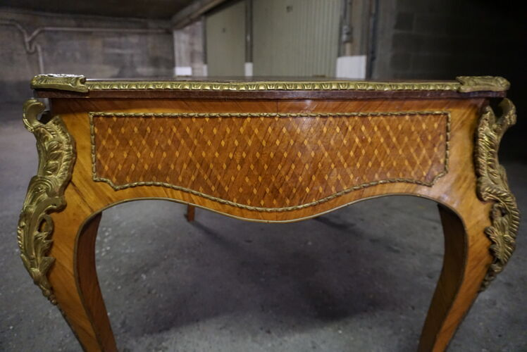 Bureau style Louis XVI