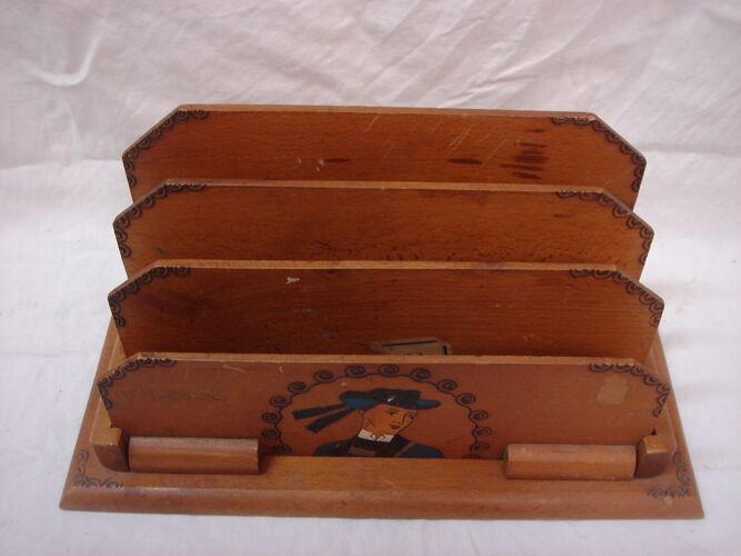 Porte courrier en bois breton de 1930