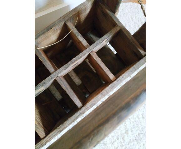 Casier ou porte-bouteilles en bois ancien