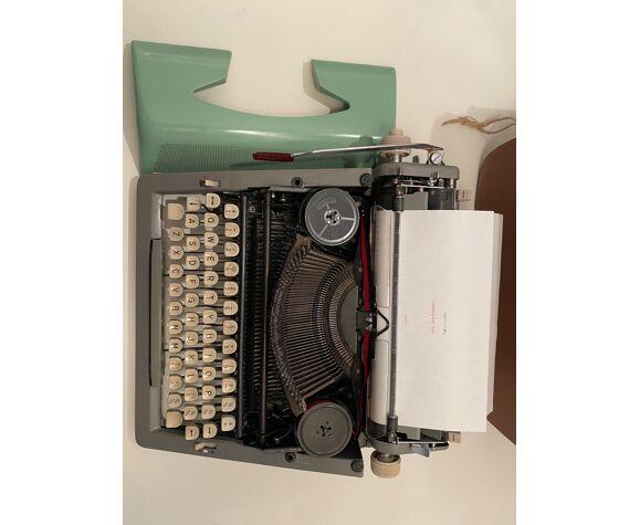 Machine à écrire royal royaluxe 425