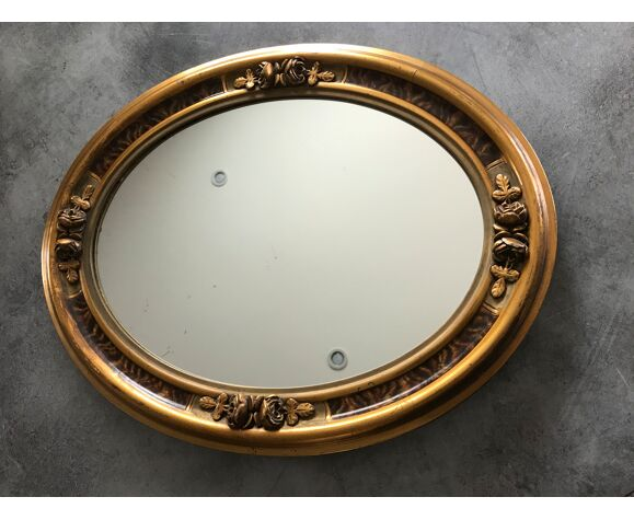 Miroir ovale art déco décor sculpture de roses  reliefs et dorures 50x40 cm