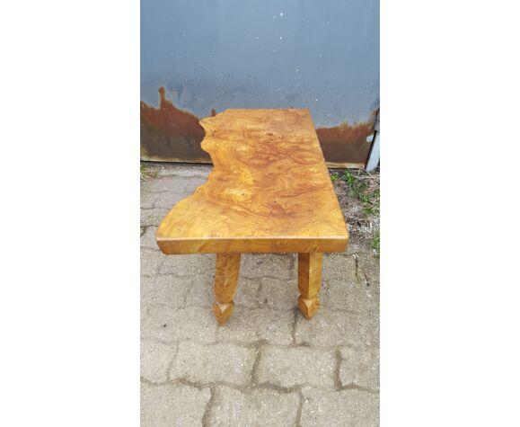Table basse en orme forme libre