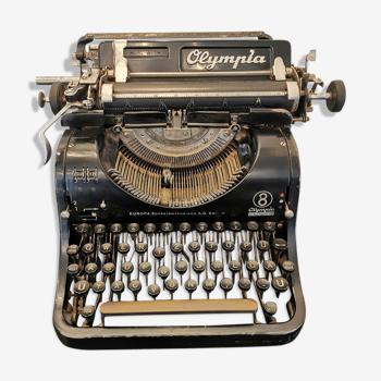 Machine à écrire olympia europa model 8