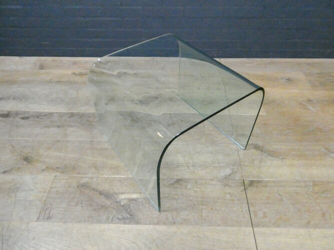 Ensemble de 2 tables Waterfall en verre incurvé produites par Fiam Italie