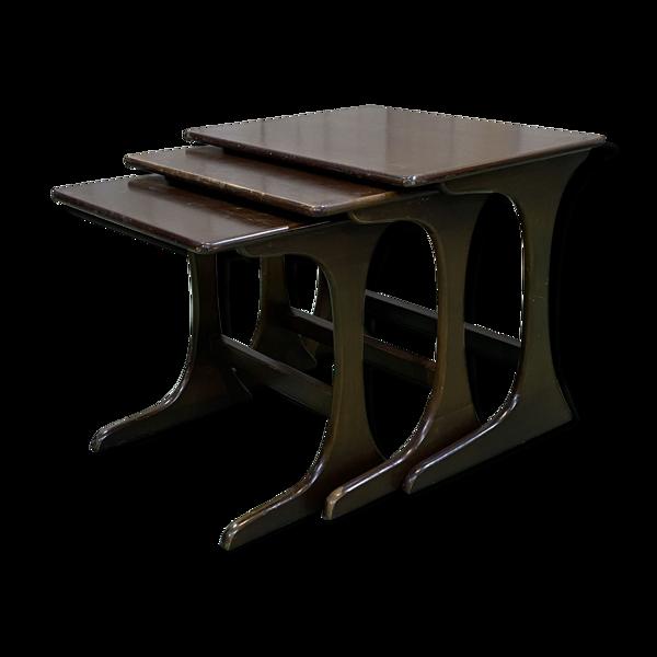 Suite de 3 tables gigognes en teck des années 70