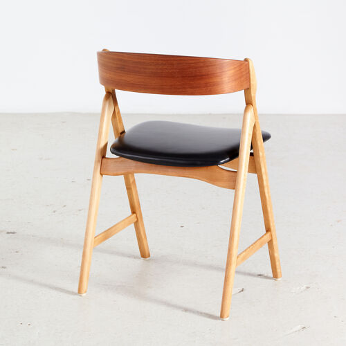 Chaise à manger henning kjærnulf modèle 71 en teck