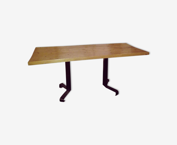 Table rectangulaire de Charlotte Perriand