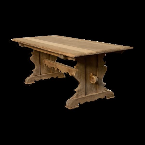 Table de style monastère