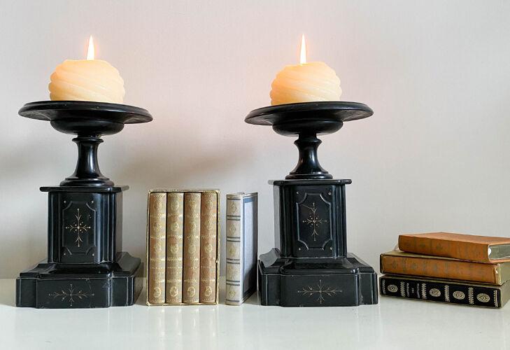 Paire de cassolettes en marbre
