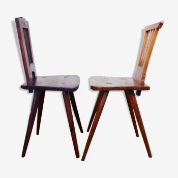 Paire de chaises anciennes en bois massif