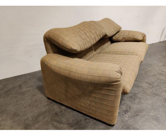 Maralunga sofa by Vico Magistretti for Cassina