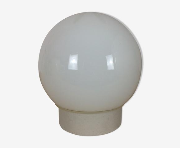 Applique boule opaline socle céramique blanche