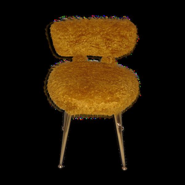 Chaise moumoute de couleur moutarde de 1960/65