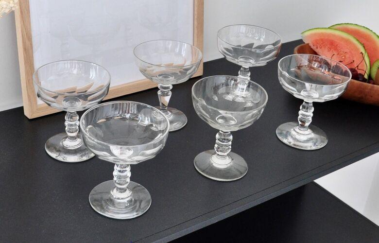 10 coupes à champagne en cristal