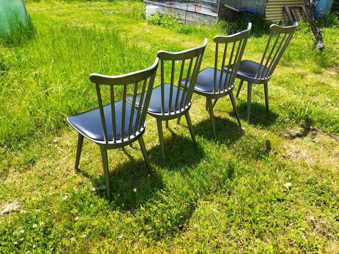 Ensemble de quatre chaises de bistrot Baumann