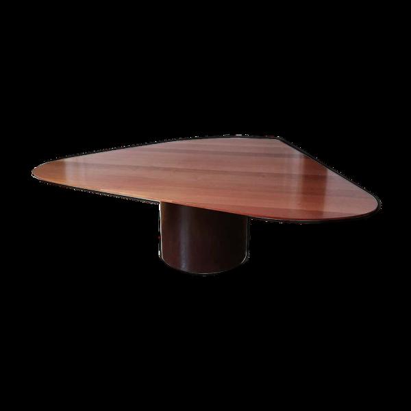 Table Amorfa par  Arthur Casas