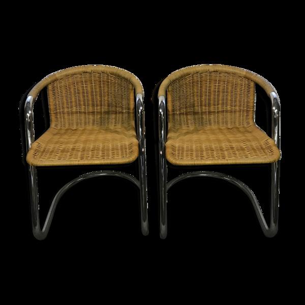 Paire de fauteuils en rotin et chrome
