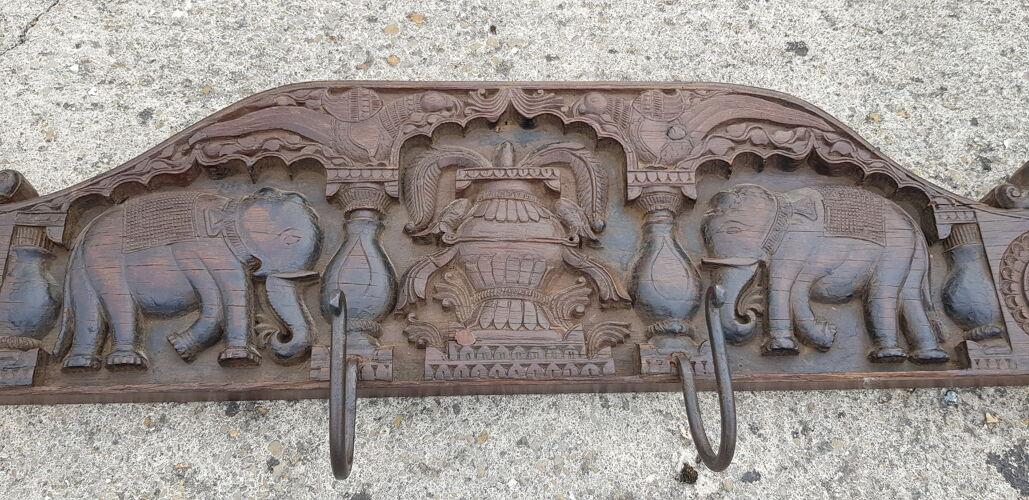 Patère 4 crochets en teck birman sculptée main motif éléphant