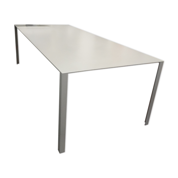 Table LessLess de Jean Nouvel Molteni