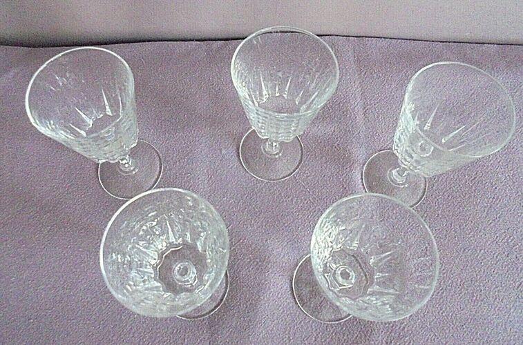 Lot de 5 verres à pied cristal ciselés