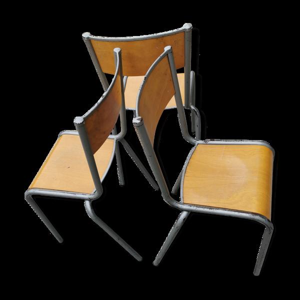 Lot de trois chaises d'école vintage