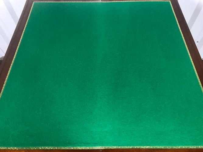 Table à jeu style Louis XVI - Directoire acajou
