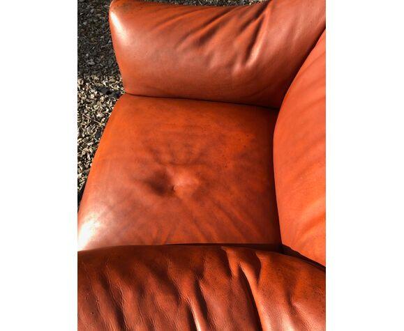 Fauteuil 685 en cuir de Mario Bellini couleur fauve havane vrai vintage