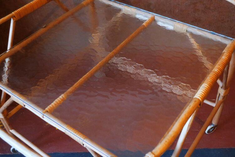 Desserte de service vintage en bambou et verre givré 1960