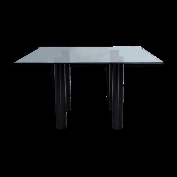 Table brentano, conçue par Emaf Progetti pour Zanotta dans les années 1980