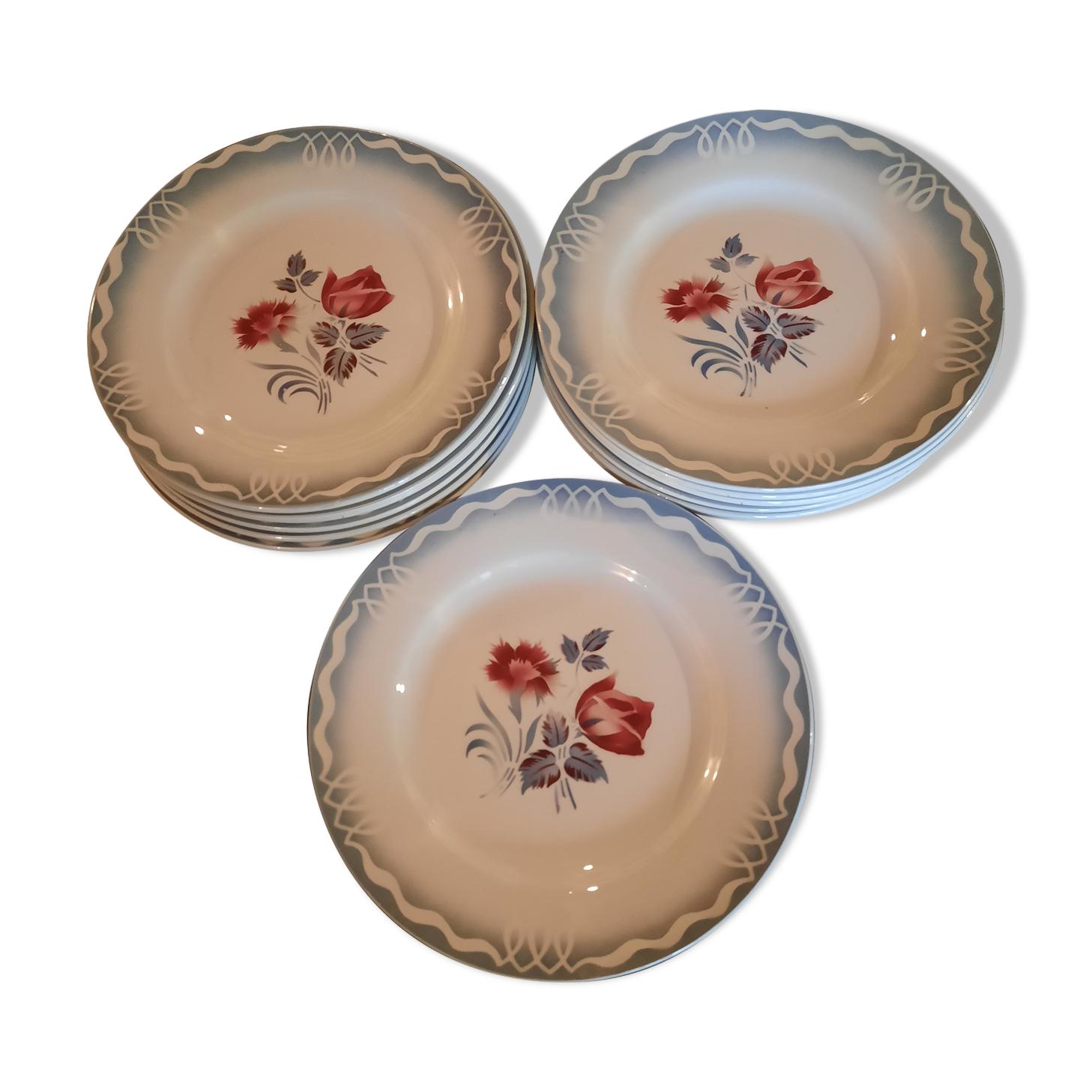 Set de 14 assiettes de Sarreguemines série Marinette