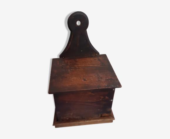 Boite à sel en bois ancienne