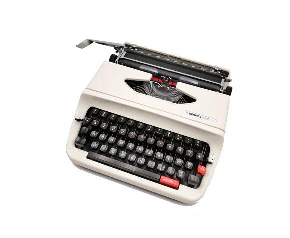 Machine à écrire Hermes baby S révisée avec ruban neuf